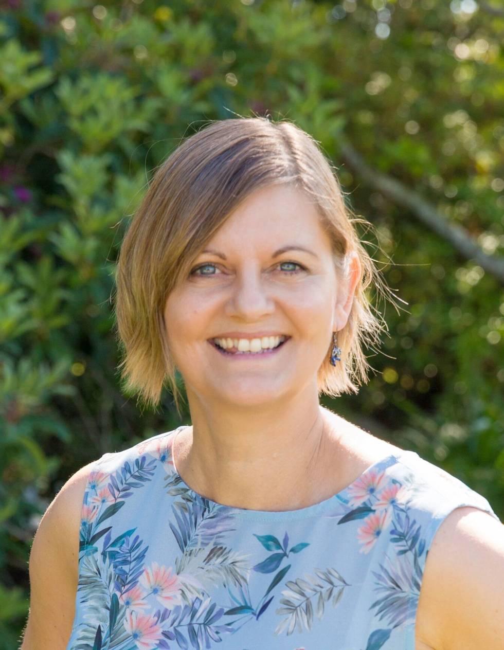 Image of Debbie Mills Robertson