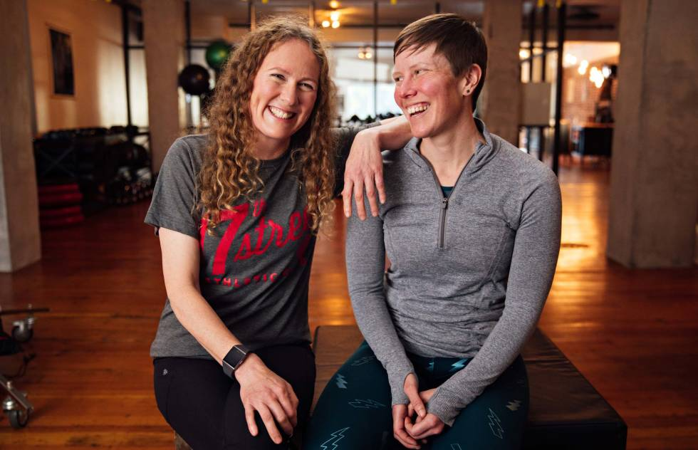 A portrait of 17th Street Athletic Club co-founders and fitness coaches Shannon Boughn and Marissa Axell.