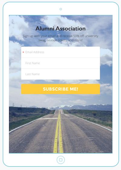 Captura de pantalla: imagen con la pantalla de un iPad en la que aparece un formulario de suscripción de Mailchimp